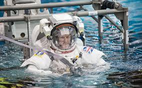 astronautinwater
